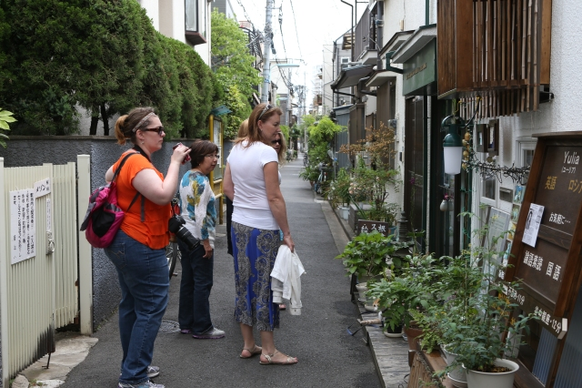 The charming alleys of Yanaka